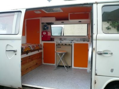 amenagement camion camping car location auto clermont. Black Bedroom Furniture Sets. Home Design Ideas