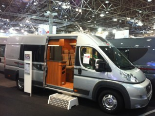 van camping car neuf location auto clermont. Black Bedroom Furniture Sets. Home Design Ideas