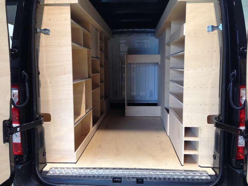 amenagement camionnette location auto clermont. Black Bedroom Furniture Sets. Home Design Ideas