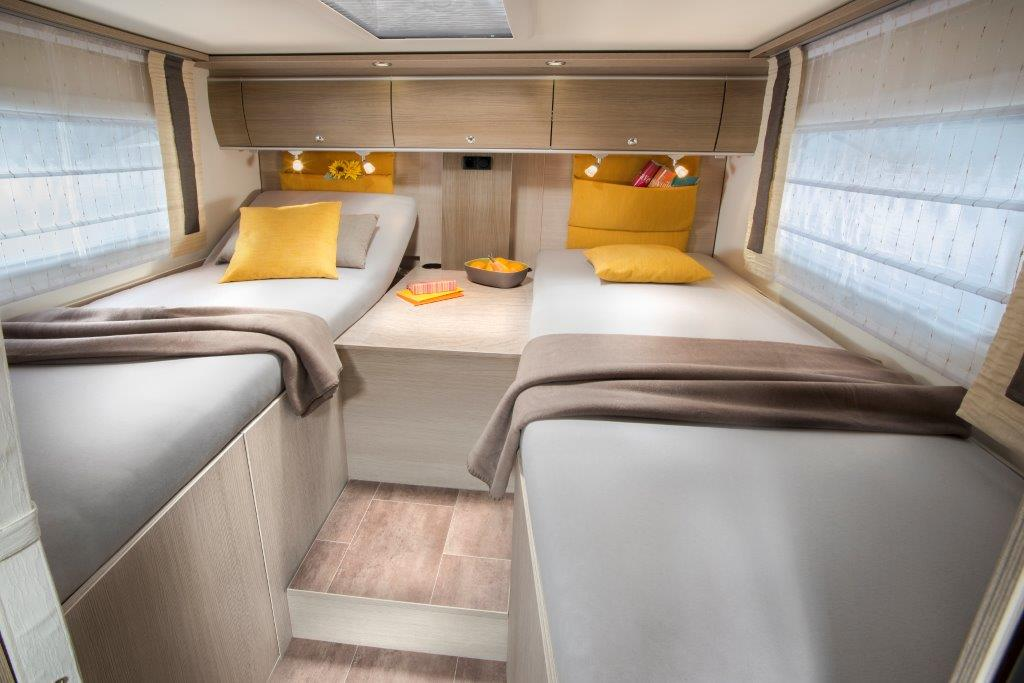 Camping car integral lits jumeaux occasion location auto clermont - Camping car lit jumeaux occasion ...