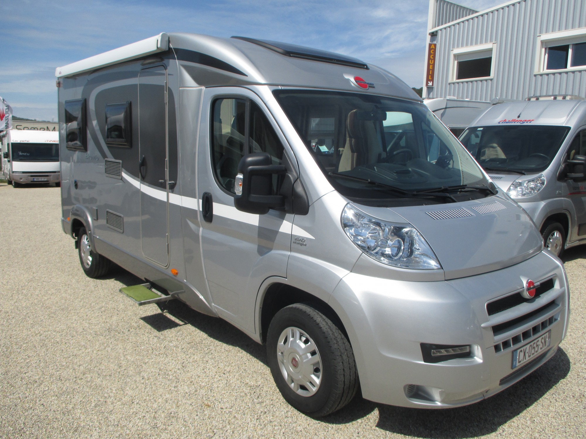 camping car profile compact occasion location auto clermont. Black Bedroom Furniture Sets. Home Design Ideas