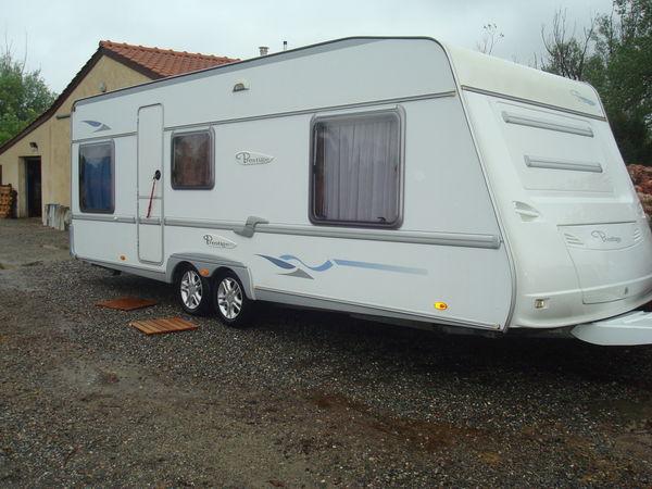 caravane double essieux occasion location auto clermont. Black Bedroom Furniture Sets. Home Design Ideas