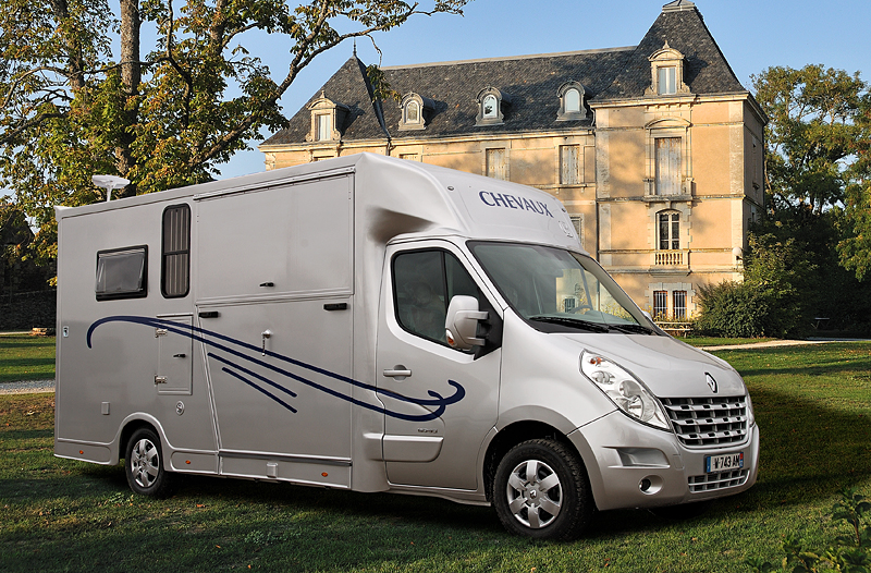 camion chevaux home car vl location auto clermont. Black Bedroom Furniture Sets. Home Design Ideas