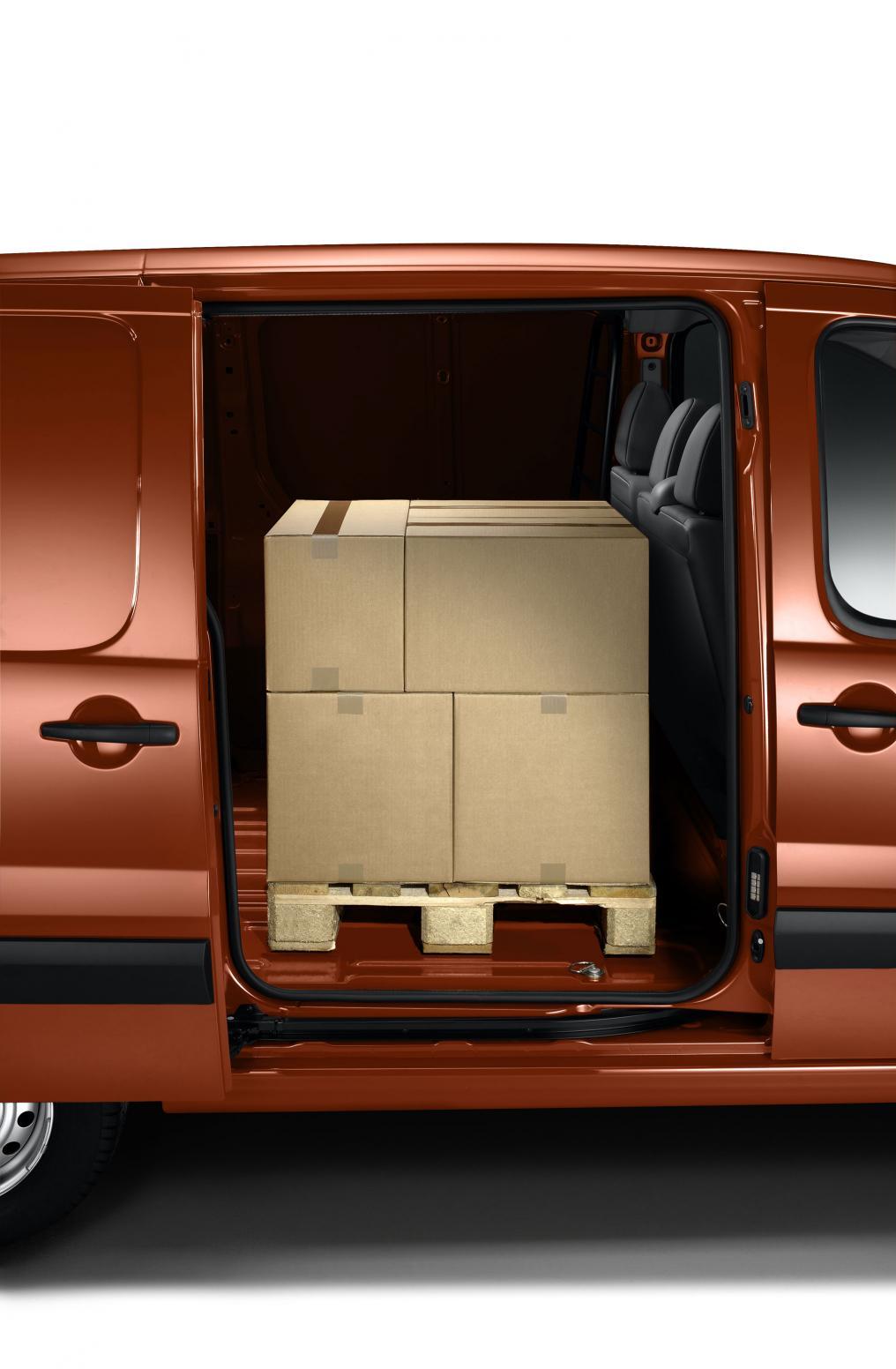louer voiture utilitaire location auto clermont. Black Bedroom Furniture Sets. Home Design Ideas