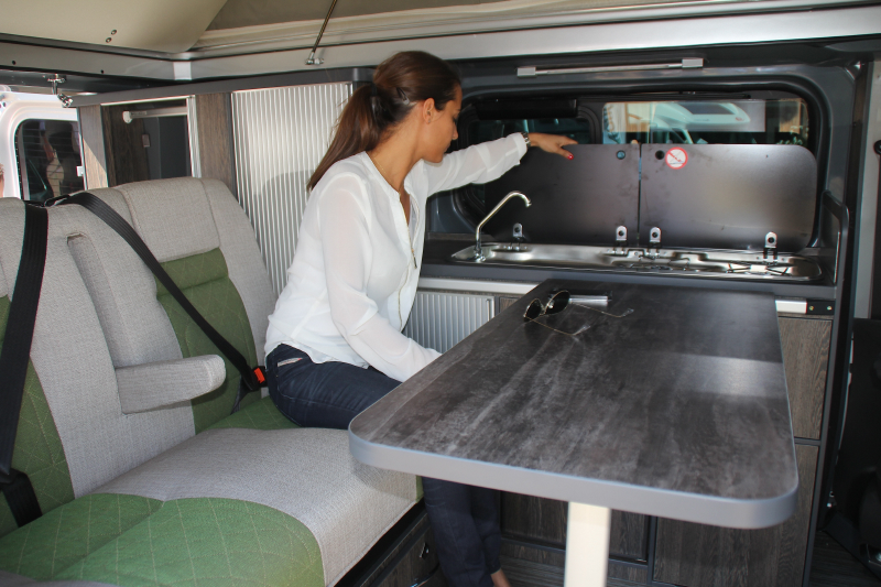 trafic am nag camping car occasion location auto clermont. Black Bedroom Furniture Sets. Home Design Ideas
