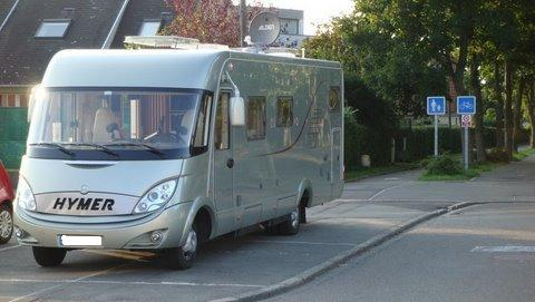 camping car hymer integral occasion particulier location auto clermont. Black Bedroom Furniture Sets. Home Design Ideas
