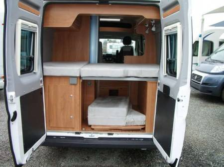 vente vehicule utilitaire location auto clermont. Black Bedroom Furniture Sets. Home Design Ideas