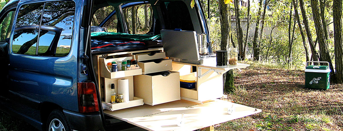 am nagement v hicule utilitaire en camping car location auto clermont. Black Bedroom Furniture Sets. Home Design Ideas