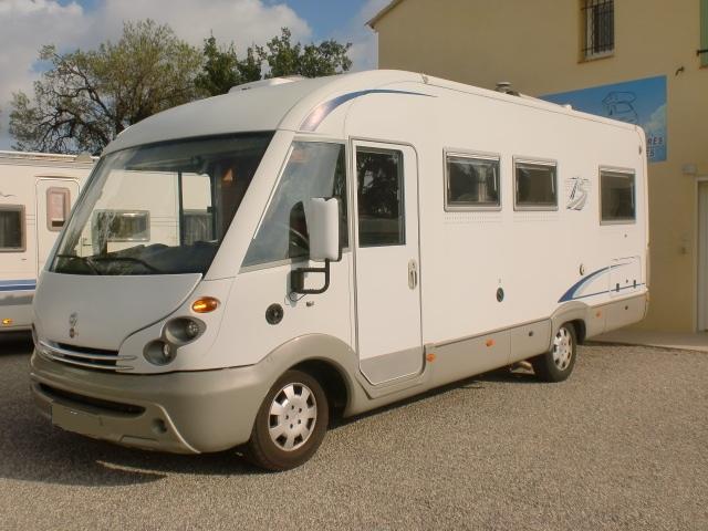 camping car burstner occasion lit central location auto clermont. Black Bedroom Furniture Sets. Home Design Ideas
