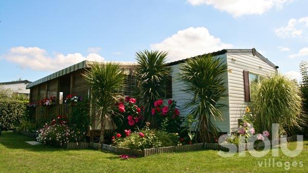 Am nager son mobil home location auto clermont - Mobil home dans son jardin ...