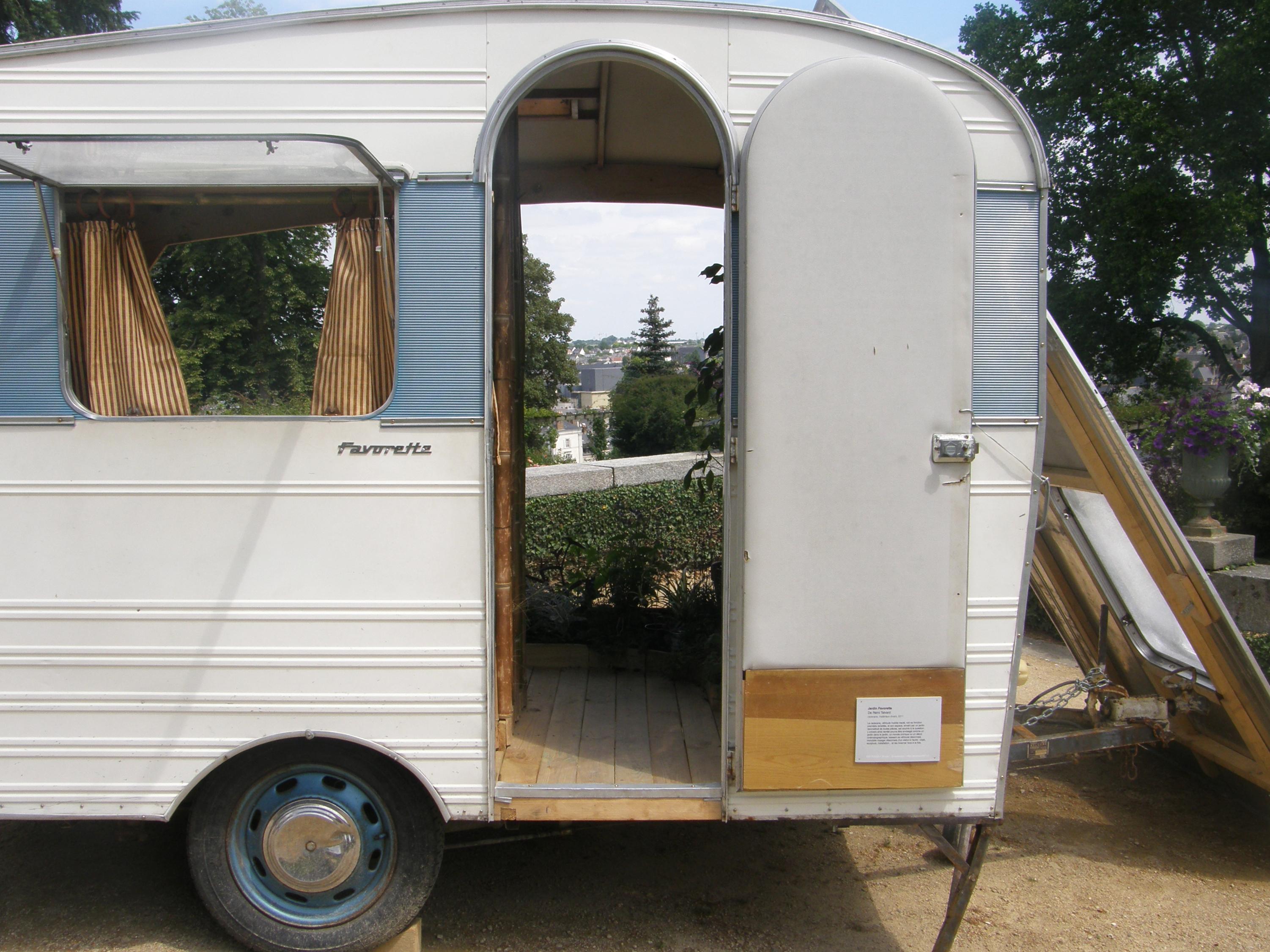 mettre un chalet sur un terrain constructible location auto clermont. Black Bedroom Furniture Sets. Home Design Ideas