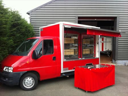 camion rotisserie d occasion en belgique location auto clermont. Black Bedroom Furniture Sets. Home Design Ideas