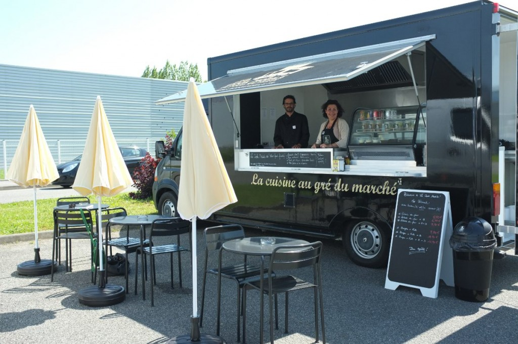 emplacement food truck prix location auto clermont. Black Bedroom Furniture Sets. Home Design Ideas
