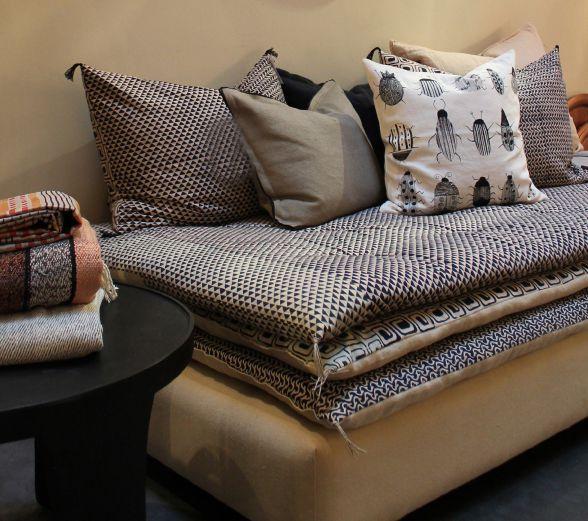 banquette caravane location auto clermont. Black Bedroom Furniture Sets. Home Design Ideas