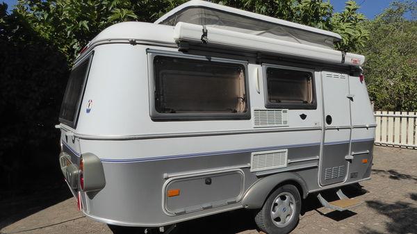 voiture avec caravane location auto clermont. Black Bedroom Furniture Sets. Home Design Ideas