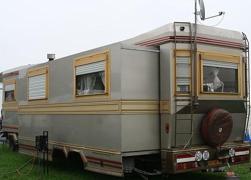 camion caravane forain a vendre location auto clermont. Black Bedroom Furniture Sets. Home Design Ideas