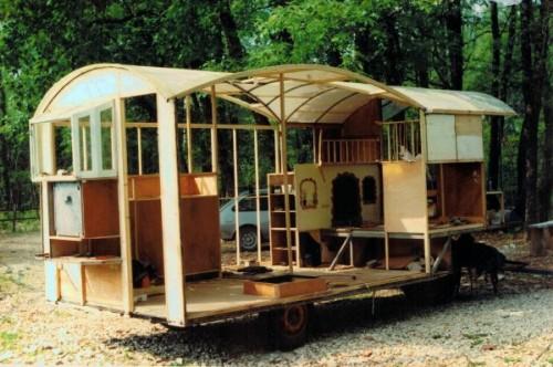 roulotte de cirque a vendre location auto clermont. Black Bedroom Furniture Sets. Home Design Ideas
