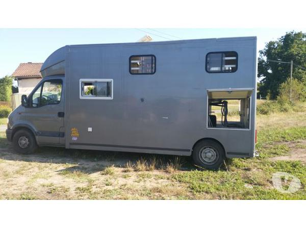 camion chevaux vl home car location auto clermont. Black Bedroom Furniture Sets. Home Design Ideas