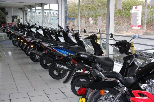 moto sportive 50cc occasion location auto clermont. Black Bedroom Furniture Sets. Home Design Ideas