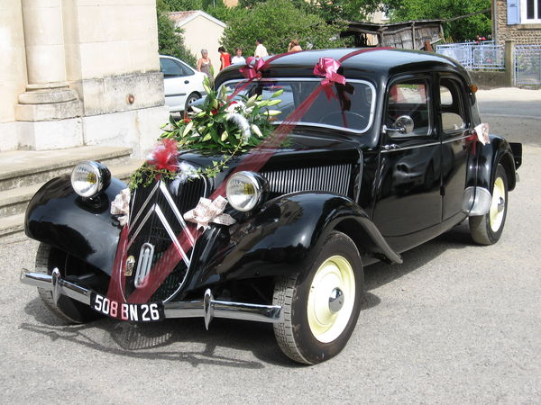 location voiture mariage isere location auto clermont. Black Bedroom Furniture Sets. Home Design Ideas