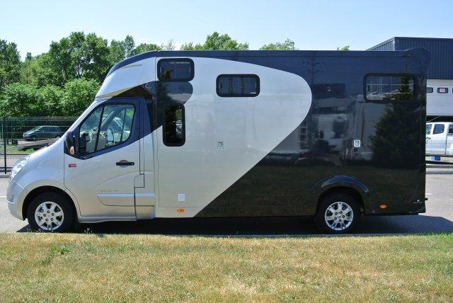 camion chevaux couchette location auto clermont. Black Bedroom Furniture Sets. Home Design Ideas