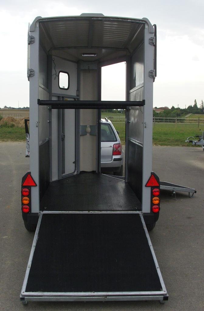 camion chevaux vendre location auto clermont. Black Bedroom Furniture Sets. Home Design Ideas